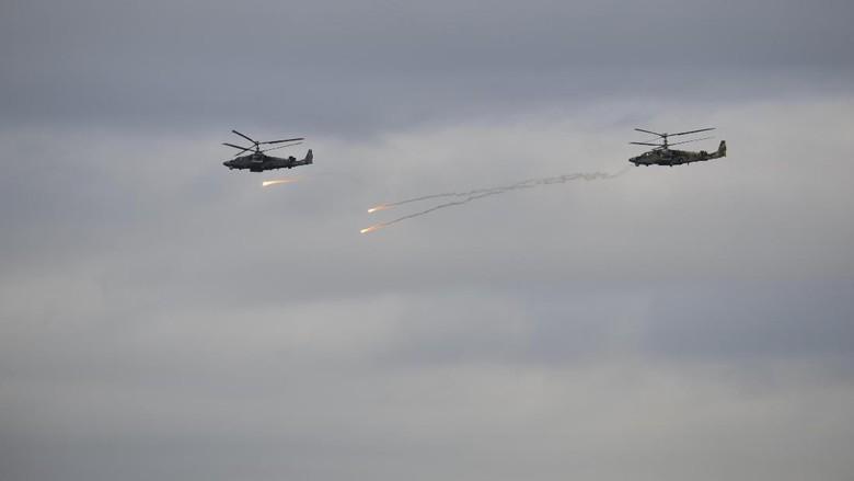 Melihat Sangarnya Latihan Perang Rusia yang Bikin NATO Waspada