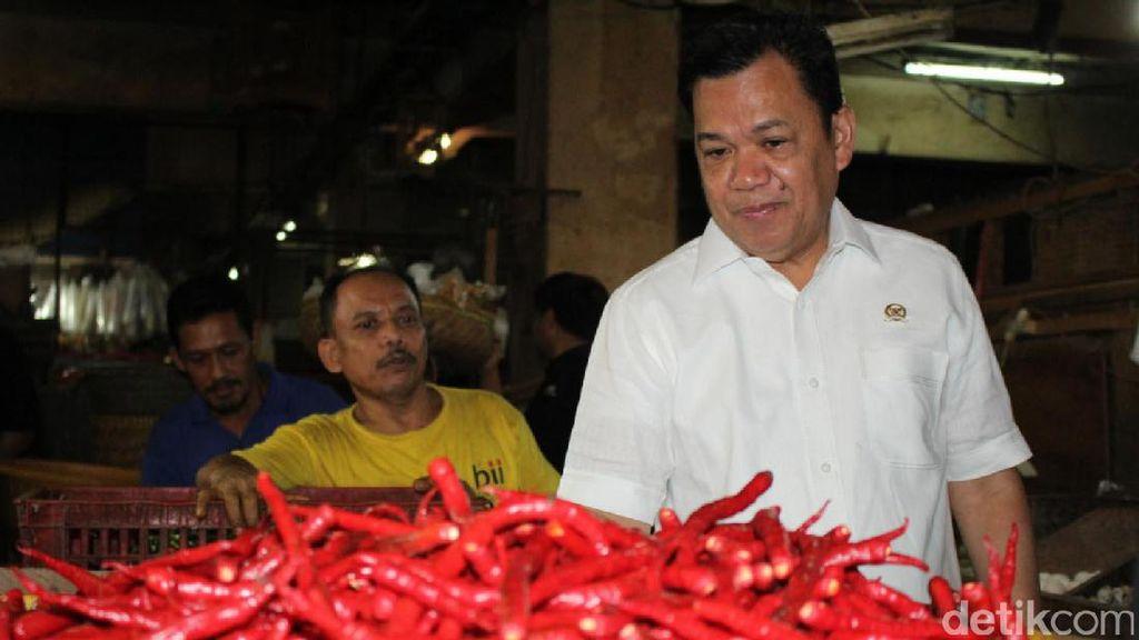 Wakil Ketua Komisi IV DPR Tinjau Harga Bahan Pokok