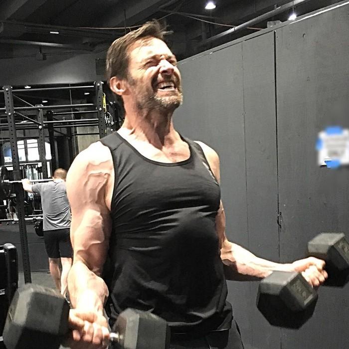 Bagian paling menonjol dari Wolverine adalah cakar yang keluar dari tangannya. Oleh karena itu, otot tangan harus mendapat perhatian khusus. (Foto: instagram/@thehughjackman)