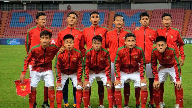 Bakat-bakat pesepakbola muda Indonesia kerap menarik perhatian orang-orang luar negeri.