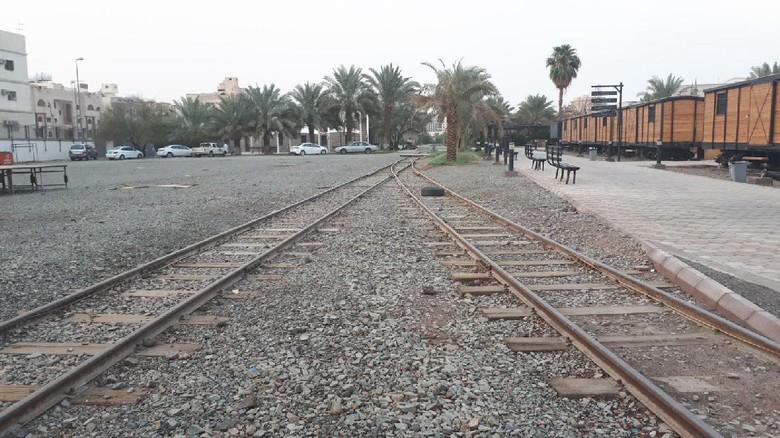 Foto: Stasiun kereta api (KA) dan jalur KA Hijaz di Madinah (Triono/detikTravel)