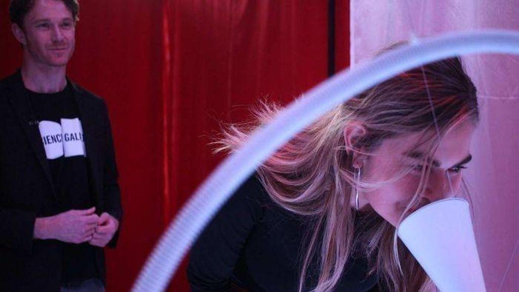 Melbourne Menggelar Pemeran Karya Seni dari Darah