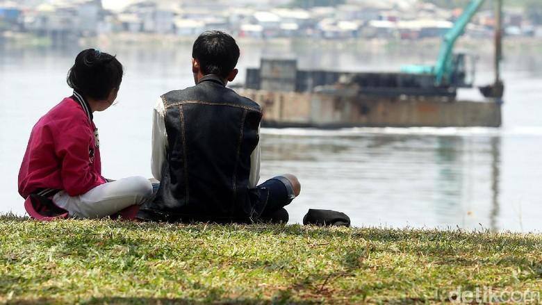 Duh, Taman Kota Waduk Pluit Kini Jadi Tempat Pacaran