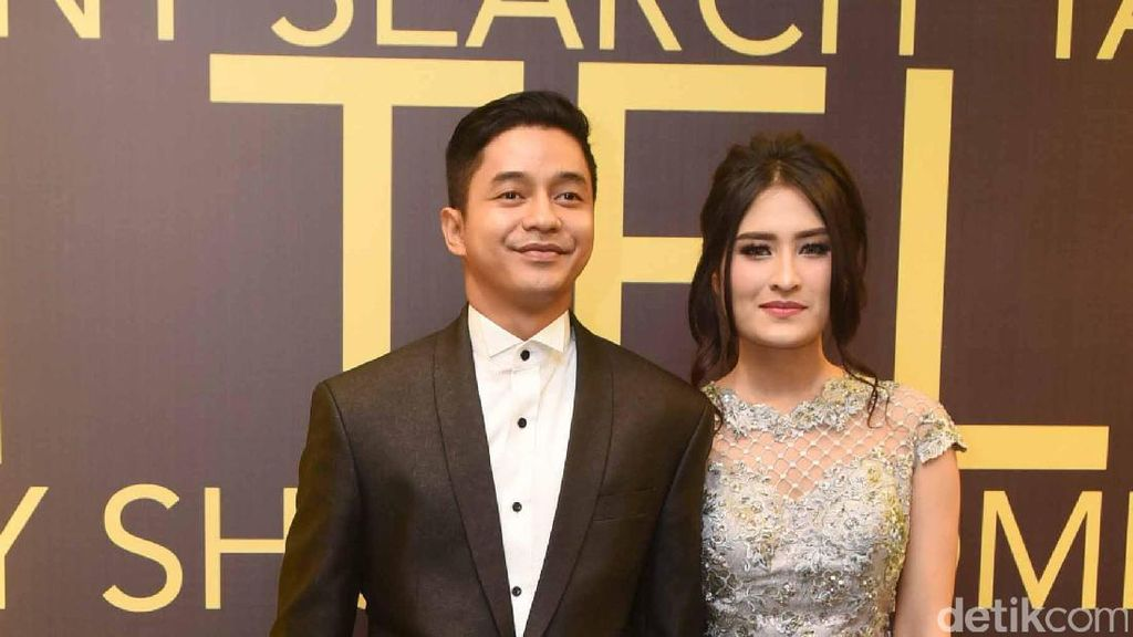 Angbeen Rishi Mohon Doa soal Pernikahan dengan Adly Fairuz