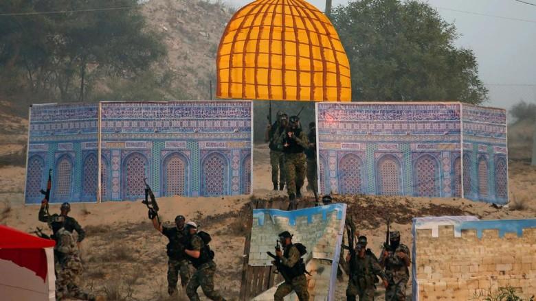 Dome of The Rock Palsu Diserang Militan Palestina