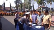 Polres Garut Pinjamkan Mesin Mobil Bekas Tabrakan ke SMK