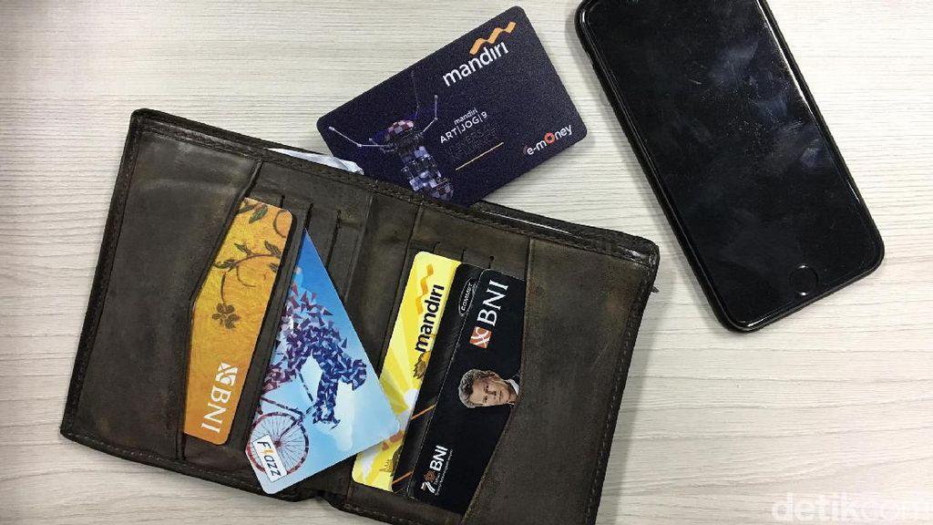 Rekomendasi BPKN Ke Jokowi: Isi Ulang e-Money Gratis