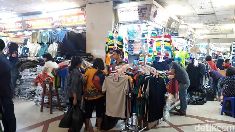 Jualan Sepi,  Pedagang Tanah Abang: Lagi Ramai Online
