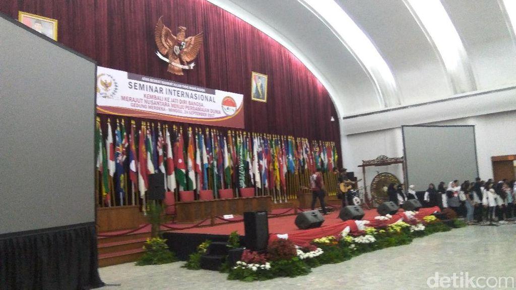 Merajut Nusantara untuk Perdamaian Dunia di Gedung Merdeka