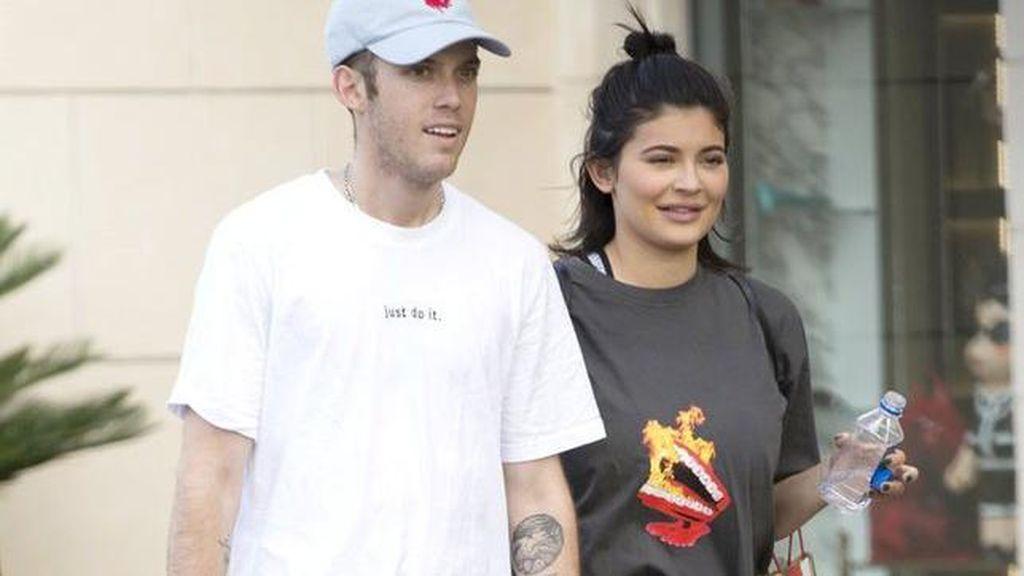 Kris Jenner Buka Suara Soal Kabar Kehamilan Kylie Jenner