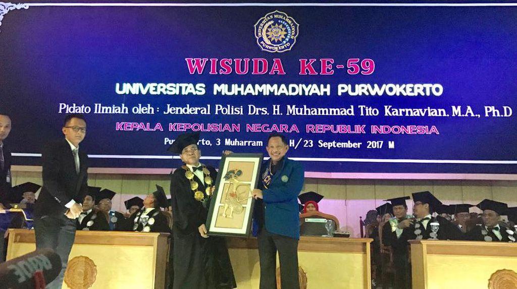Kapolri Didaulat Sebagai Warga Kehormatan Muhammadiyah