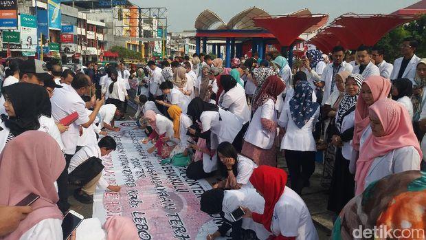 IDI Kota Bengkulu demo terkait penamparan Ketua DPRD ke dokter magang di RSUD Lebong