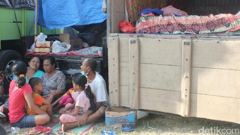 Melihat Kondisi Pengungsi Gunung Agung di GOR Klungkung