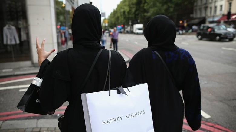 Sebut Wanita Punya Setengah Otak, Ulama Arab Saudi Dilarang Khotbah
