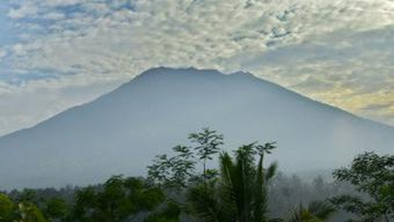 Ada Erupsi Gunung Agung, Menhub Pastikan ASEM TMM Tetap Berjalan