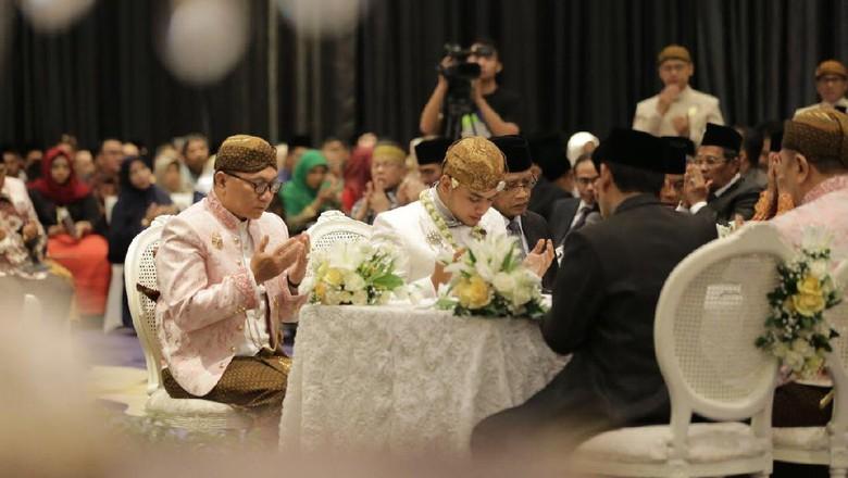 Khidmatnya Akad Nikah Putra Zulkifli Hasan