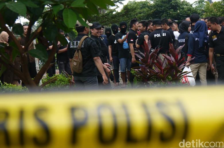Polisi Gelar Rekontruksi Kasus Duel Gladiator di Bogor