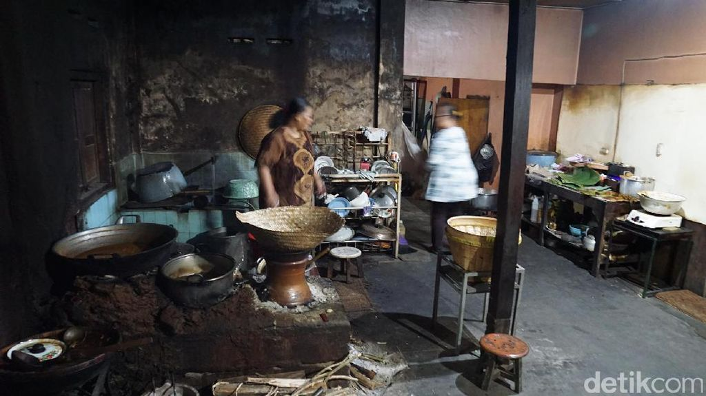 Foto: Gudeg Legendaris di Yogyakarta yang Bukan di Wijilan