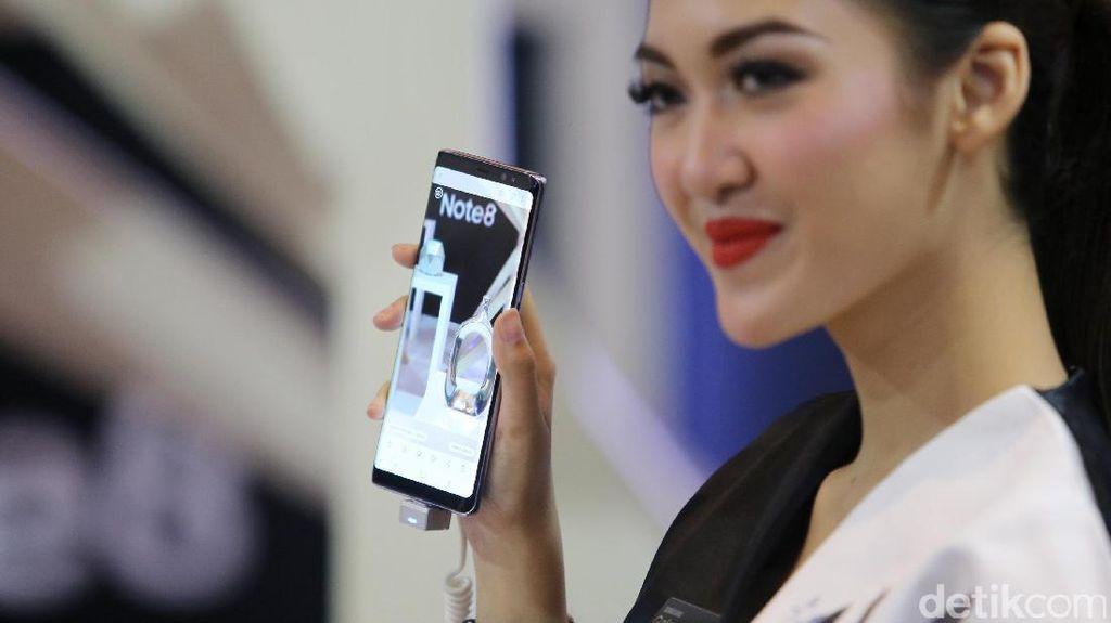 iPhone X Punya Dual OIS, Samsung: Kami Lebih Unggul