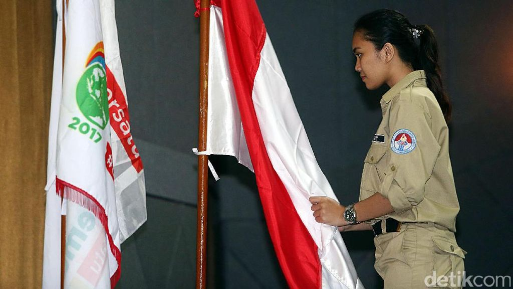 Menpora Kukuhkan Peserta Inti Kirab Pemuda Indonesia 2017