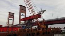 Pembangunan LRT Palembang, Sungai di Bawah Jembatan Ampera Ditutup