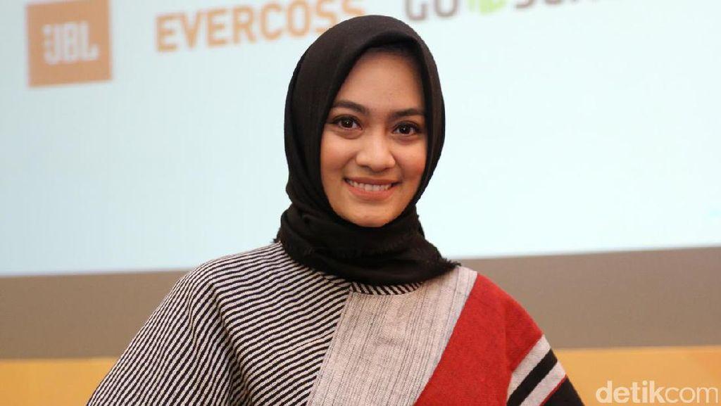 Tips Bergaya Hijab Etnik Tapi Tetap Kekinian Ala Ayudia Bing Slamet