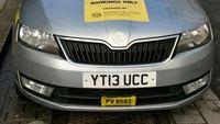 Taksi Online Pakai Stiker 'Identitas', Pengamat: Harusnya dari Dulu