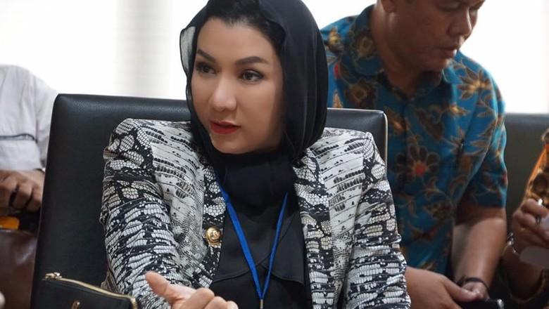Jadi Tersangka KPK, Bupati Kukar Berada di Jakarta