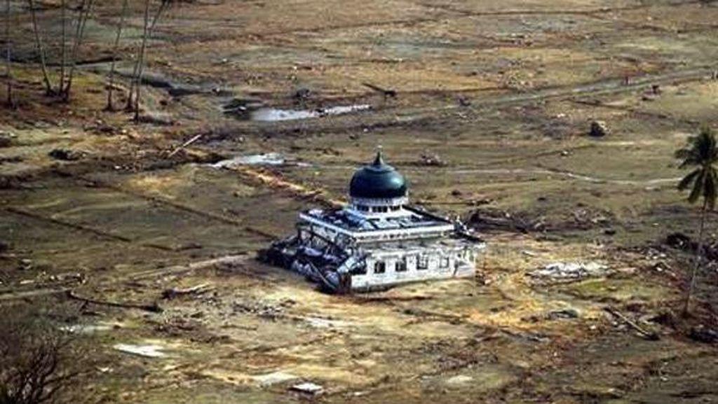 Netizen Peringati #13thnTsunami