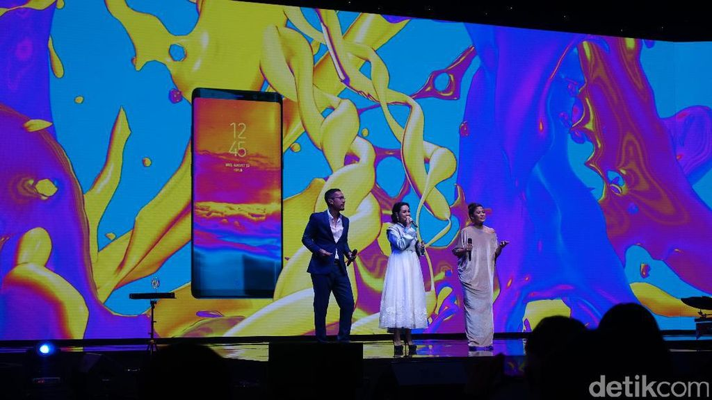 Aksi Dian Sastro dkk Sambut Kedatangan Galaxy Note 8