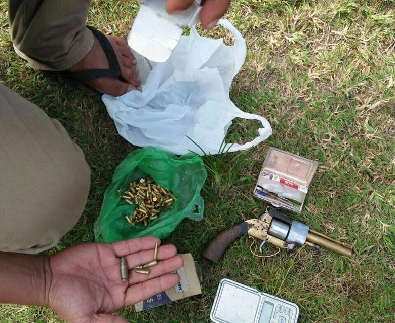 Polisi Buru Pemilik Rumah Pabrik Senjata Di Aceh Utara