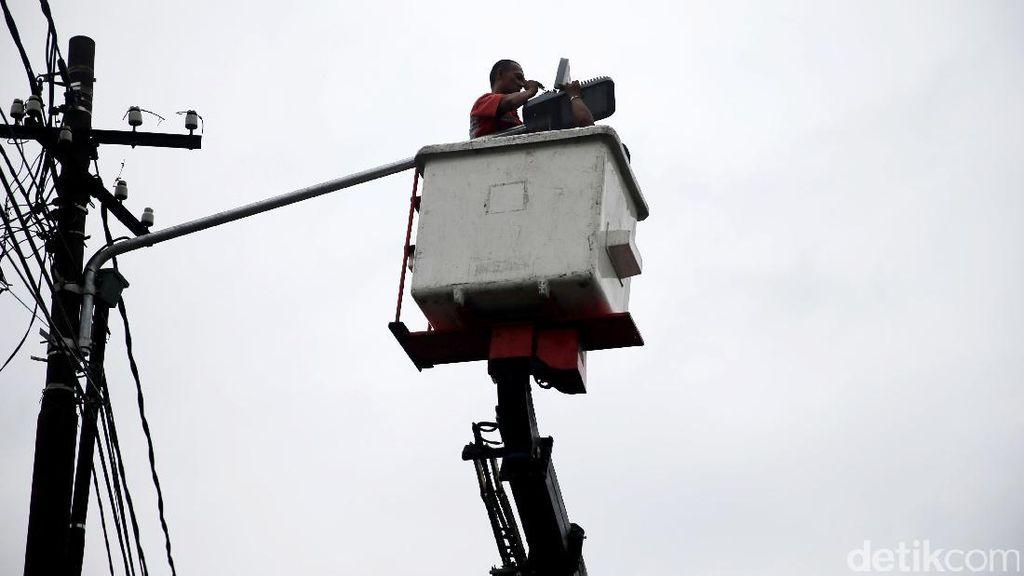 Lampu Jalan Dimatikan karena Nunggak Rp 12 Miliar, Ini Kata Pemkab