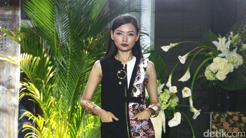 Foto: Koleksi Batik Kudus yang Kekinian Karya 11 Desainer Indonesia