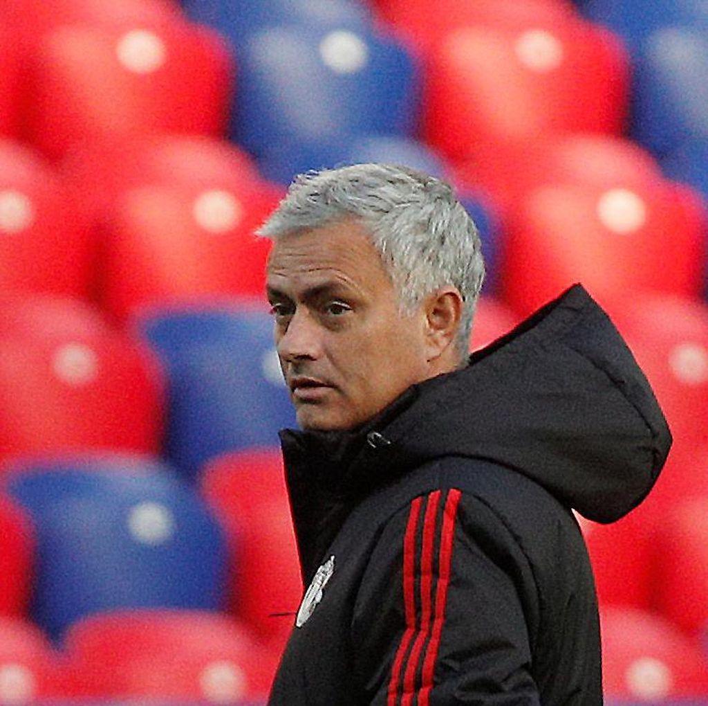 Mourinho Mungkin Bakal Senang dengan Satu Poin dari Kandang Benfica