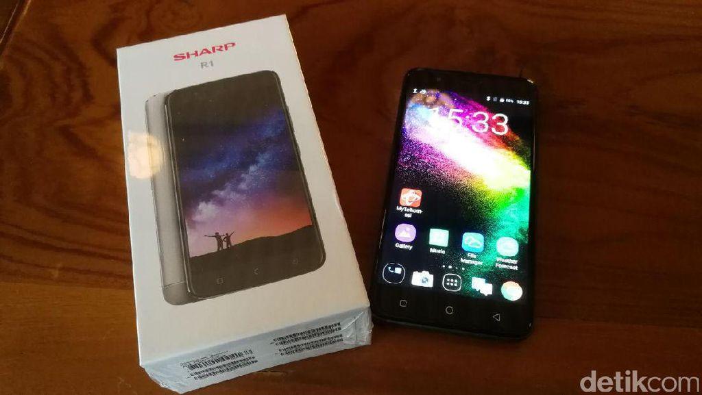 Sharp Mau Alon-alon Asal Kelakon Jualan Smartphone