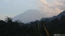 Pengungsi Gunung Agung Dapat Kartu untuk Berobat Gratis