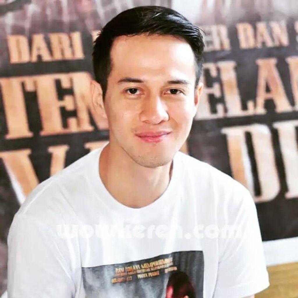 Asri Welas Tak Menyangka Punya Anak Seganteng Herjunot Ali