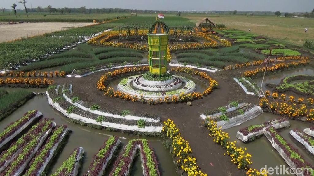 Wisata Sambil Belajar di Taman Pembibitan Jombang yang Eksotis