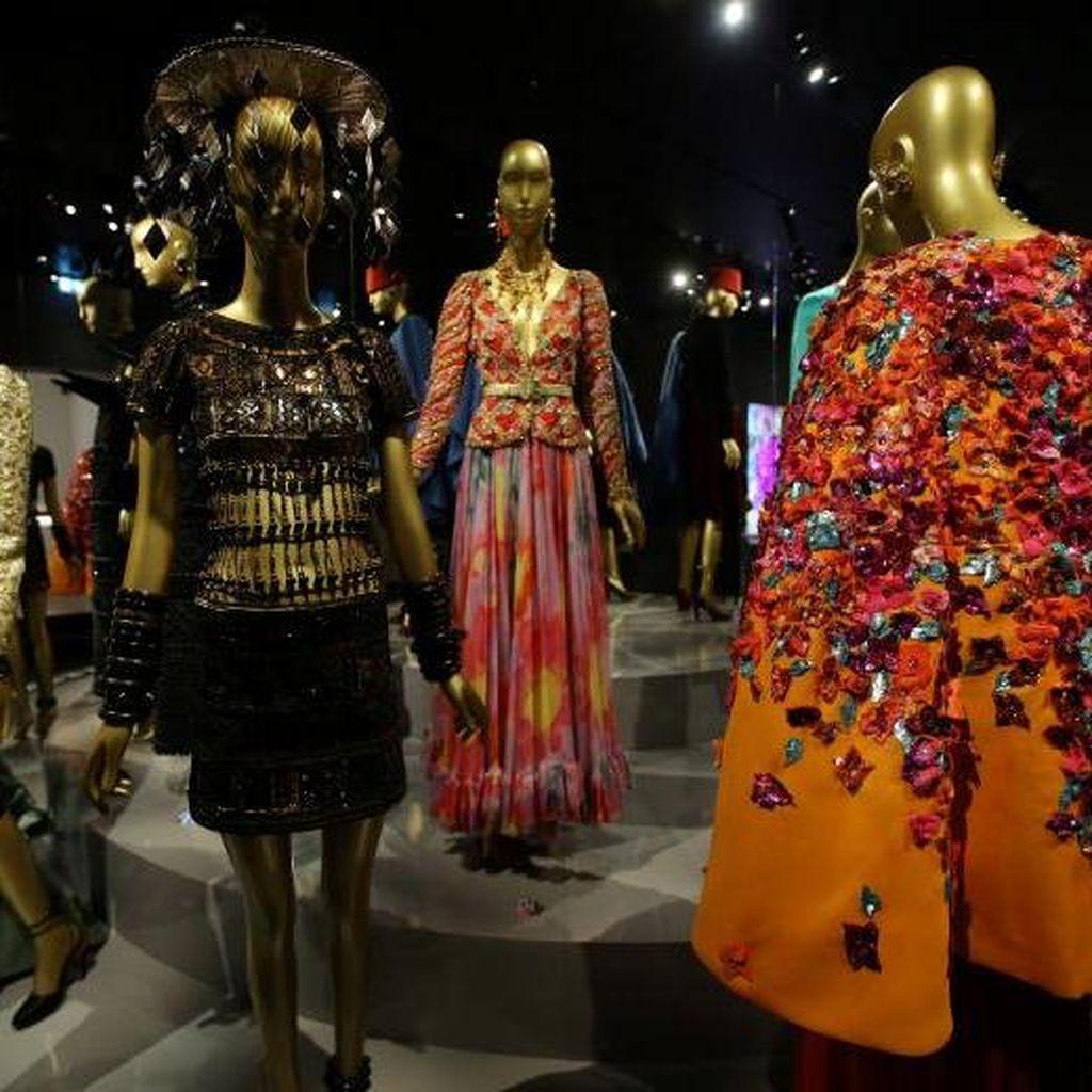 Foto: Voila! Ada Museum Fashion Saint Laurent