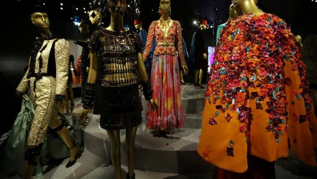 Foto: Voila! Ada Museum Fashion Saint Laurent