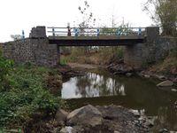 Selain embung, sungai kecil ini menjadi jujugan warga mencari air