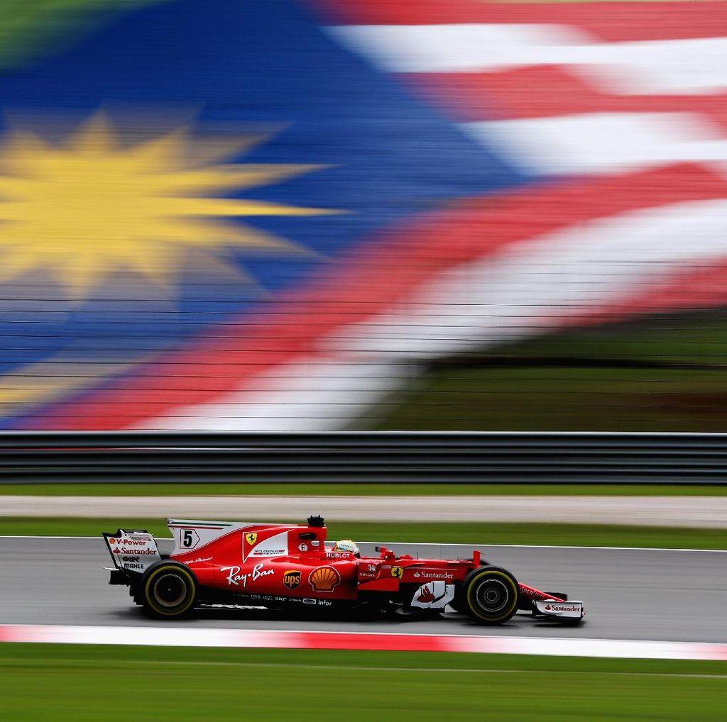 Duo Mercedes Kesulitan, Vettel: Baru Hari Pertama