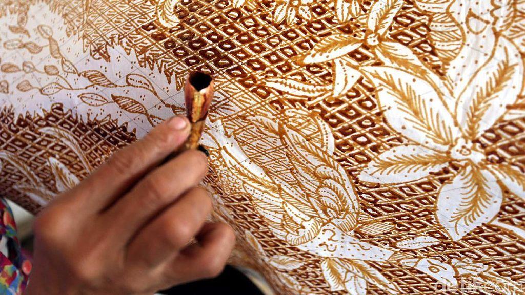 Melihat Pembuatan Batik Maos Cilacap yang Mendunia