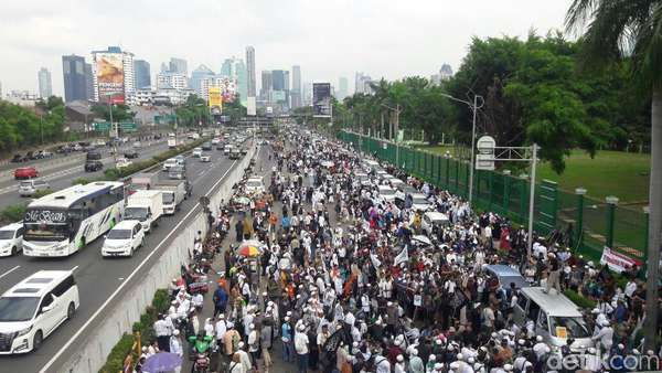 Menko Polhukam Soal Aksi 299: Demo Soal Apa Lagi?