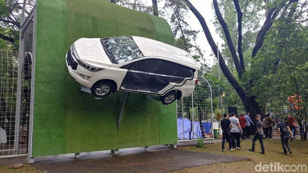 Toyota Kucurkan Rp 9,2 M Percantik Taman Lalu Lintas Bandung