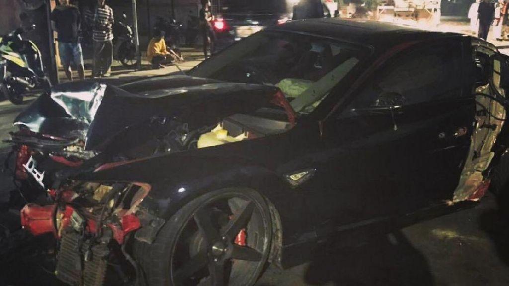 Kecelakaan, Mazda RX-8 Anak Venna Melinda Hancur