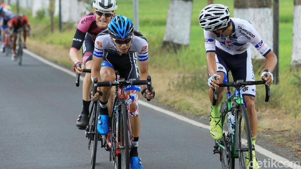 Pembalap Italia Juarai International Tour de Banyuwangi Ijen 2017