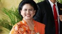 Foto Bareng Donald Trump, Iriana Jokowi Ayu Bersongket