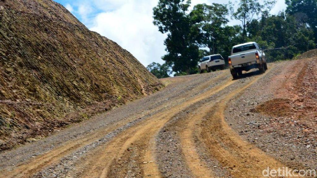 Ini Alasan Jokowi Gencar Bangun Jalan Perbatasan dan Papua