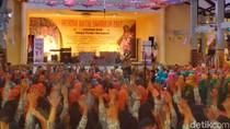 Gubernur Ganjar Memotivasi Siswa di Banyumas Mencintai Batik